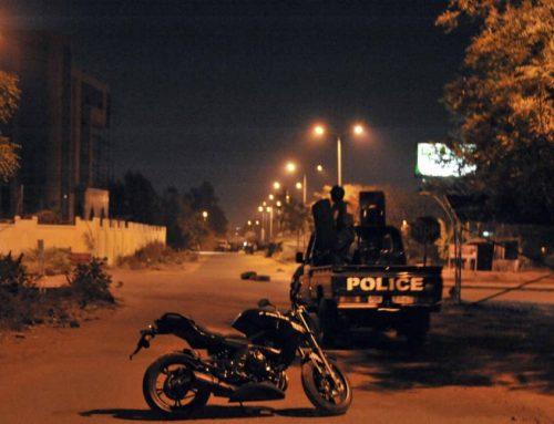 Mali : Six policiers écroués après la mort d'un jeune homme